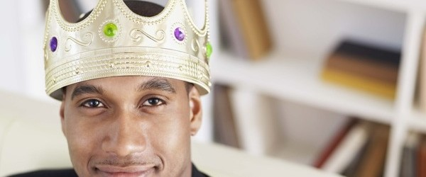 black man wearing crown 600x250 This anime and manga, created by Nobuyuki Anzai, tell us a very usual story ...